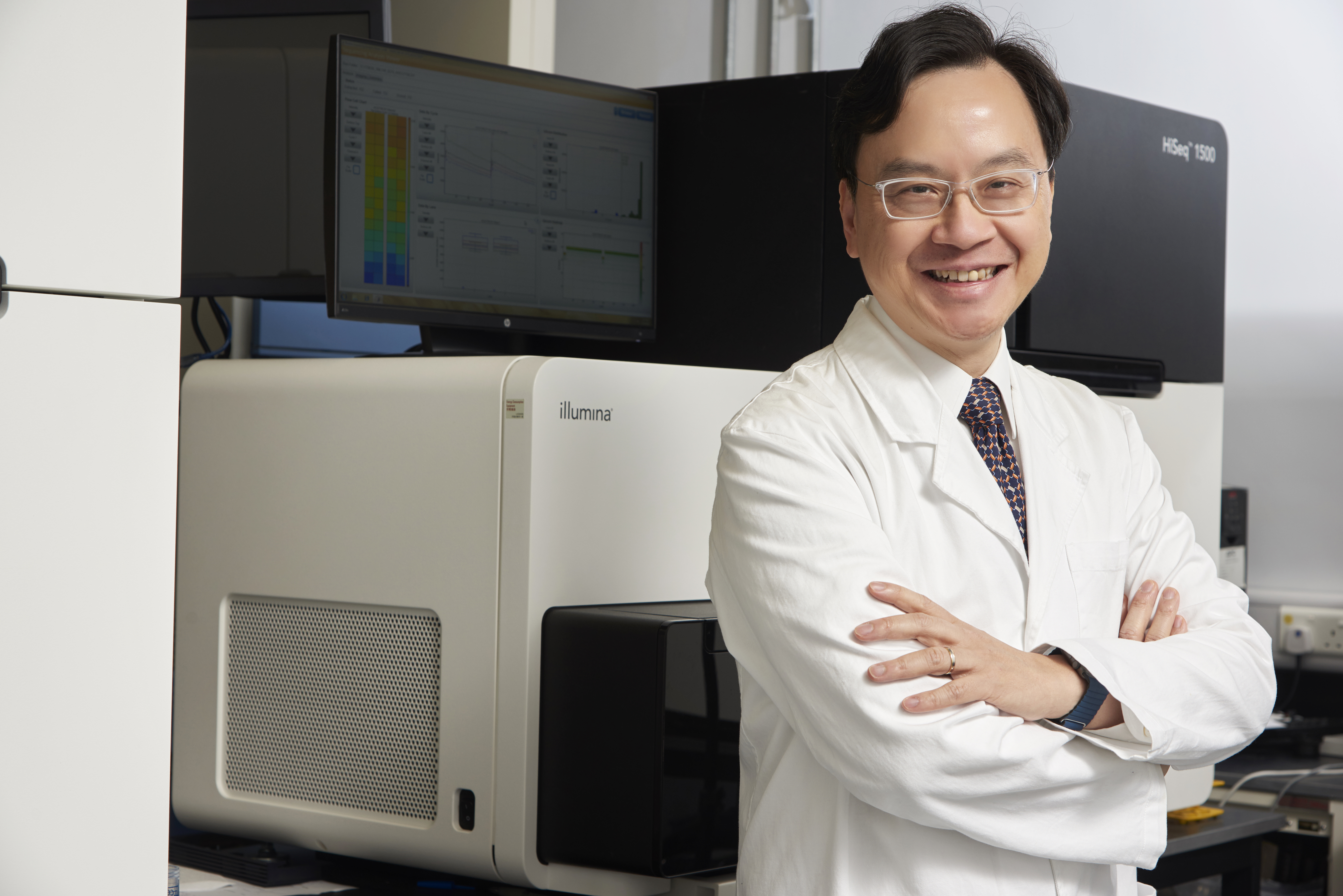 "Prof Dennis Lo awarded the ""2018 Excellence in Genetics Research Award"" by The Association of Chinese Geneticists in America"